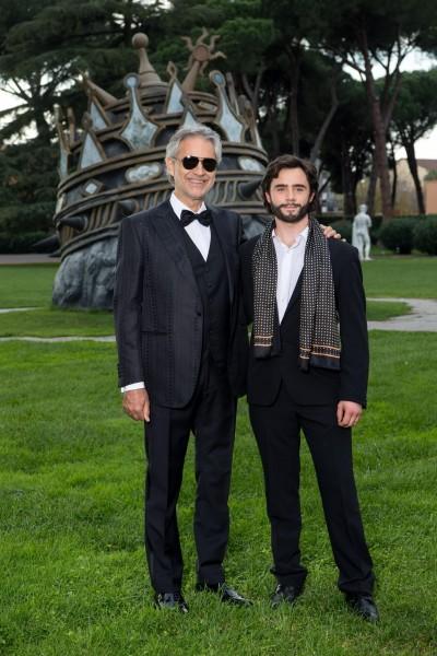 Andrea-Bocelli-con-Toby-Sebastian-La-Musica-Del-Silenzio-2016