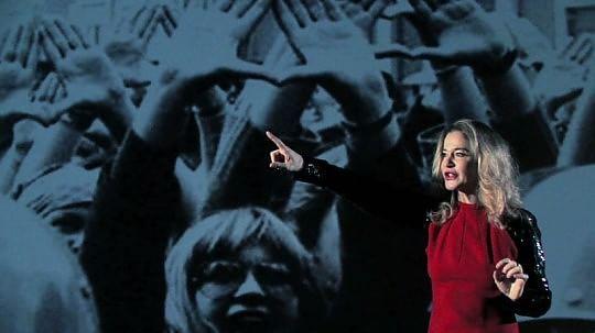 Eva-Robins-nel-film-Torri-checche-e-tortellini-ricorda-la-figura-di-Mario-Mieli-7464