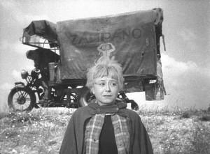 Giulietta-Masina-nei-panni-di-Gelsomina-nel-film-premio-Oscar-La-strada-1954