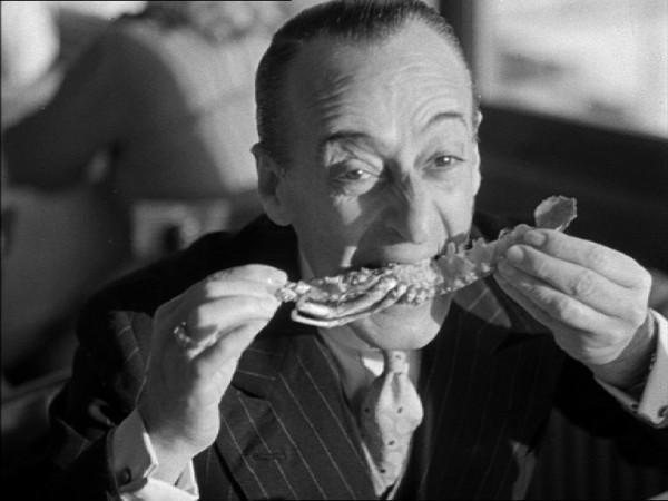 Quando-l-Italia-mangiava-in-bianco-e-nero-TOTO-ZUPPA-DI-PESCE-3736