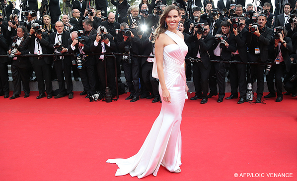 THE-HOMESMAN-Hilary-Swank-Cannes-2014-67-1111
