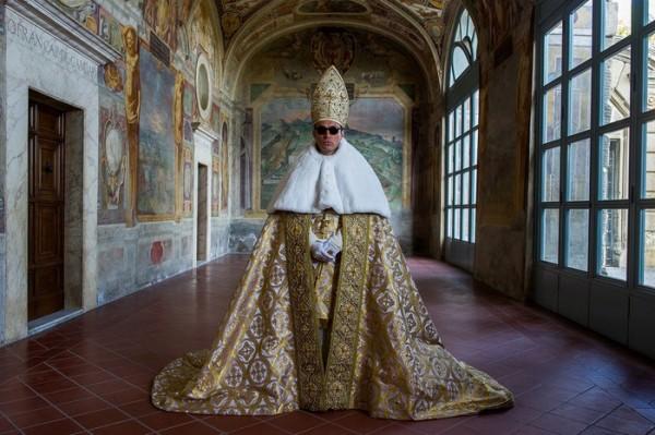 A Napoli in mostra foto di scena 'The Young Pope'