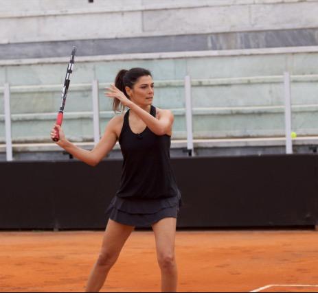 Valeria-Solarino-gioca-a-tennis-2092