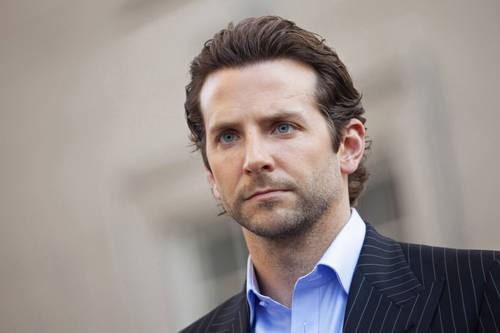 """ROMA – Bradley Cooper in """"Limitless"""" (dal 15 aprile in sala) è uno scrittore in crisi di idee la cui vita cambierà radicalmente con una pillola magica che ... - 575775-bradley-cooper-limitless"""
