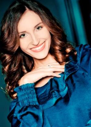 Il profilo di Chiara Squaglia, attrice, nata a Lucca. madrelingua italiana ottima conoscenza della lingua francese - 996565-Chiara-Squaglia