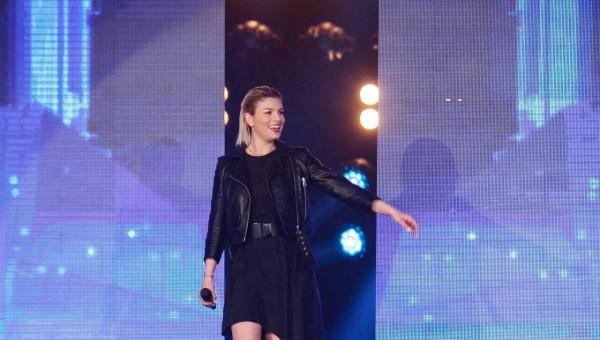 Emma-Marrone-Amici-16-2017