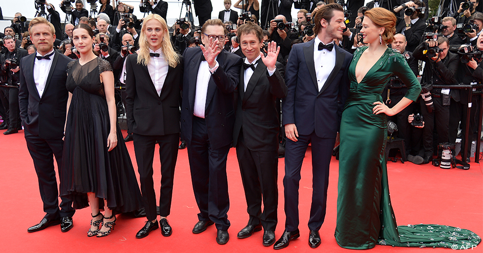 16e27a6c027e3 Cannes 2014  Yves Saint Laurent e Jessica Chastain